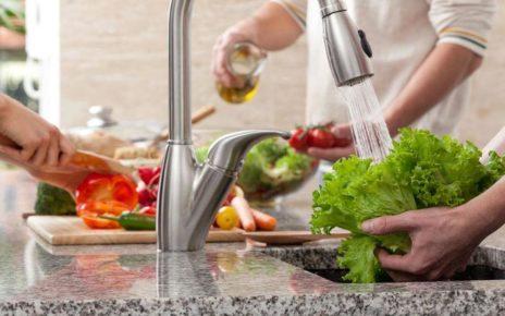 Cara Mencuci Buah yang Benar dan Higienis