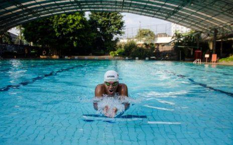 Berenang saat Sedang Berpuasa